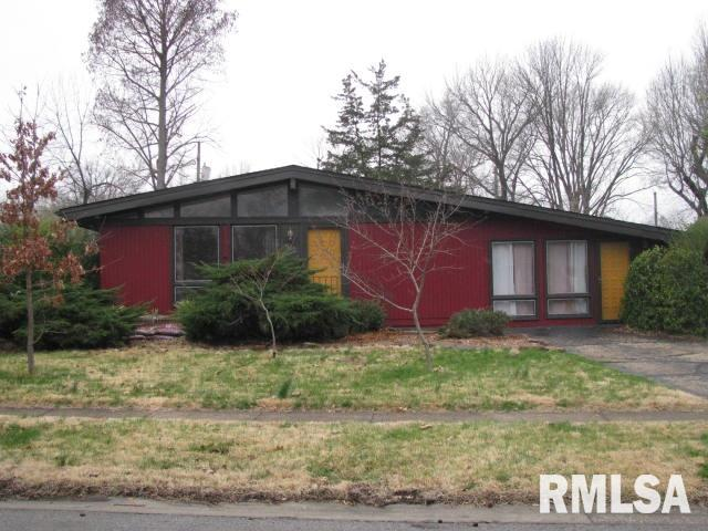502 S DIXON Street, Carbondale, Illinois 62901, 3 Bedrooms Bedrooms, ,2 BathroomsBathrooms,Single Family,For Sale,502 S DIXON Street,EB438731
