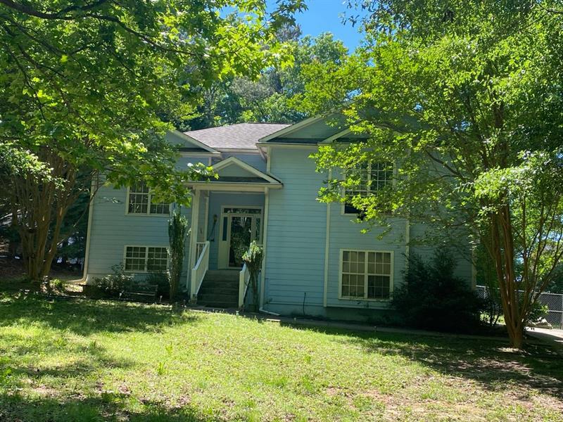 7262 Pinecrest Drive, Douglasville, Georgia 30134, 4 Bedrooms Bedrooms, ,3 BathroomsBathrooms,Single Family,For Sale,7262 Pinecrest Drive,6879678