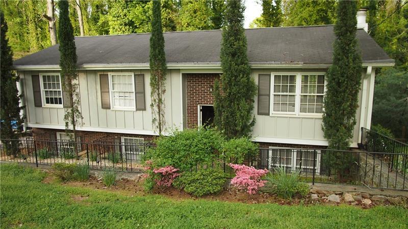 1573 Drayton Woods Drive, Tucker, Georgia 30084, 4 Bedrooms Bedrooms, ,3 BathroomsBathrooms,Single Family,For Sale,1573 Drayton Woods Drive,2,6871796