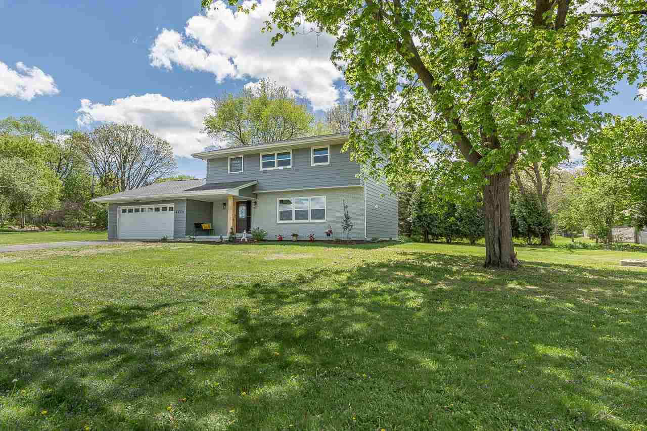 4819 County Road Q, Waunakee, Wisconsin 53597, 4 Bedrooms Bedrooms, ,3 BathroomsBathrooms,Single Family,For Sale,4819 County Road Q,2,1908416