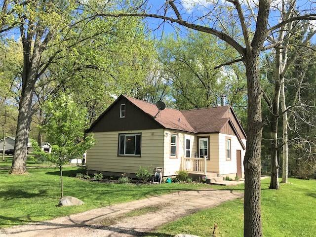 515 West Oak Street, Silver Lake, Wisconsin 53170, 2 Bedrooms Bedrooms, ,1 BathroomBathrooms,Single Family,For Sale,515 West Oak Street,1,11080184