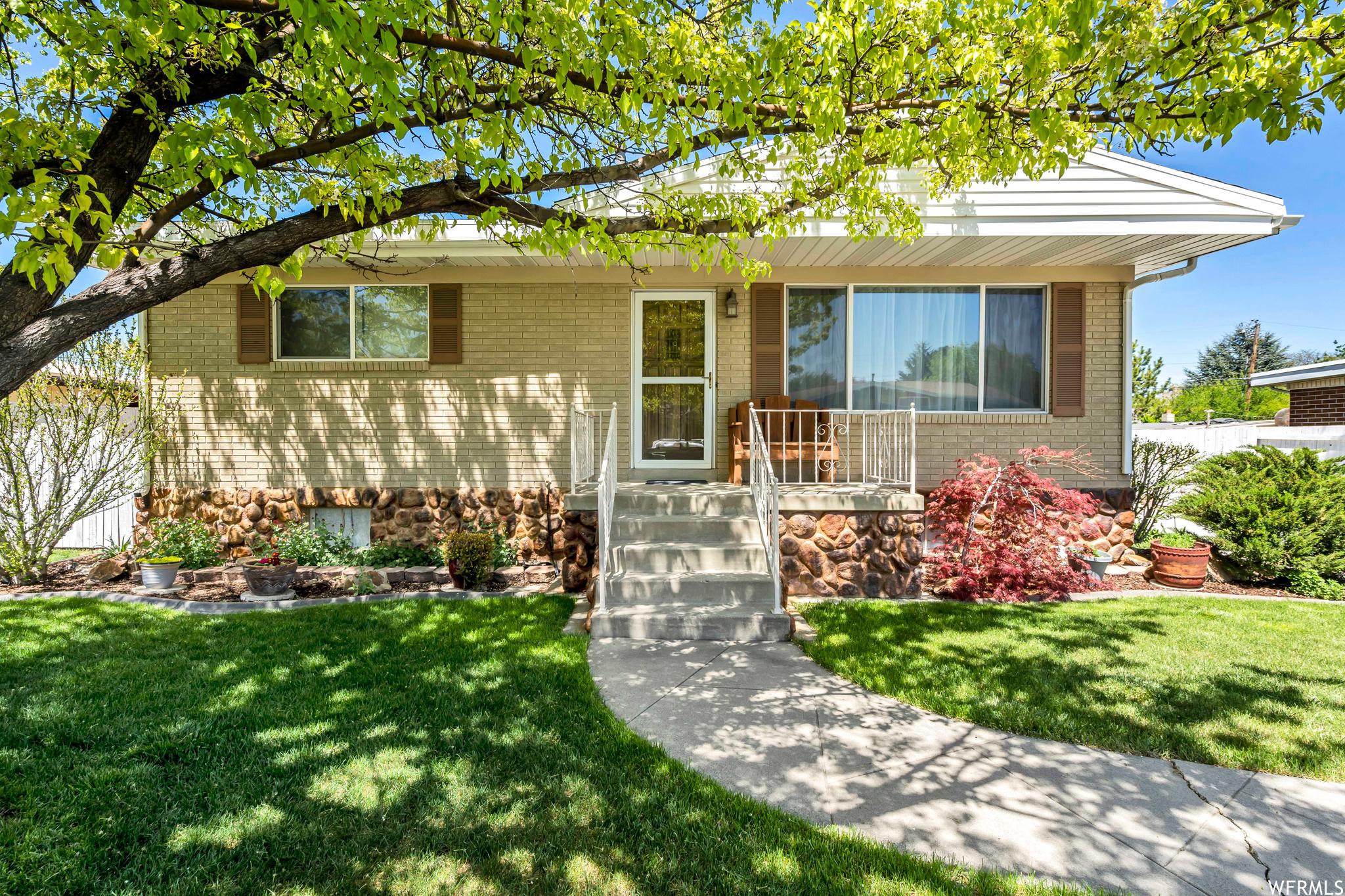 1630 W LELAND DR, West Jordan, Utah 84084, 4 Bedrooms Bedrooms, ,1 BathroomBathrooms,Single Family,For Sale,1630 W LELAND DR,1740533