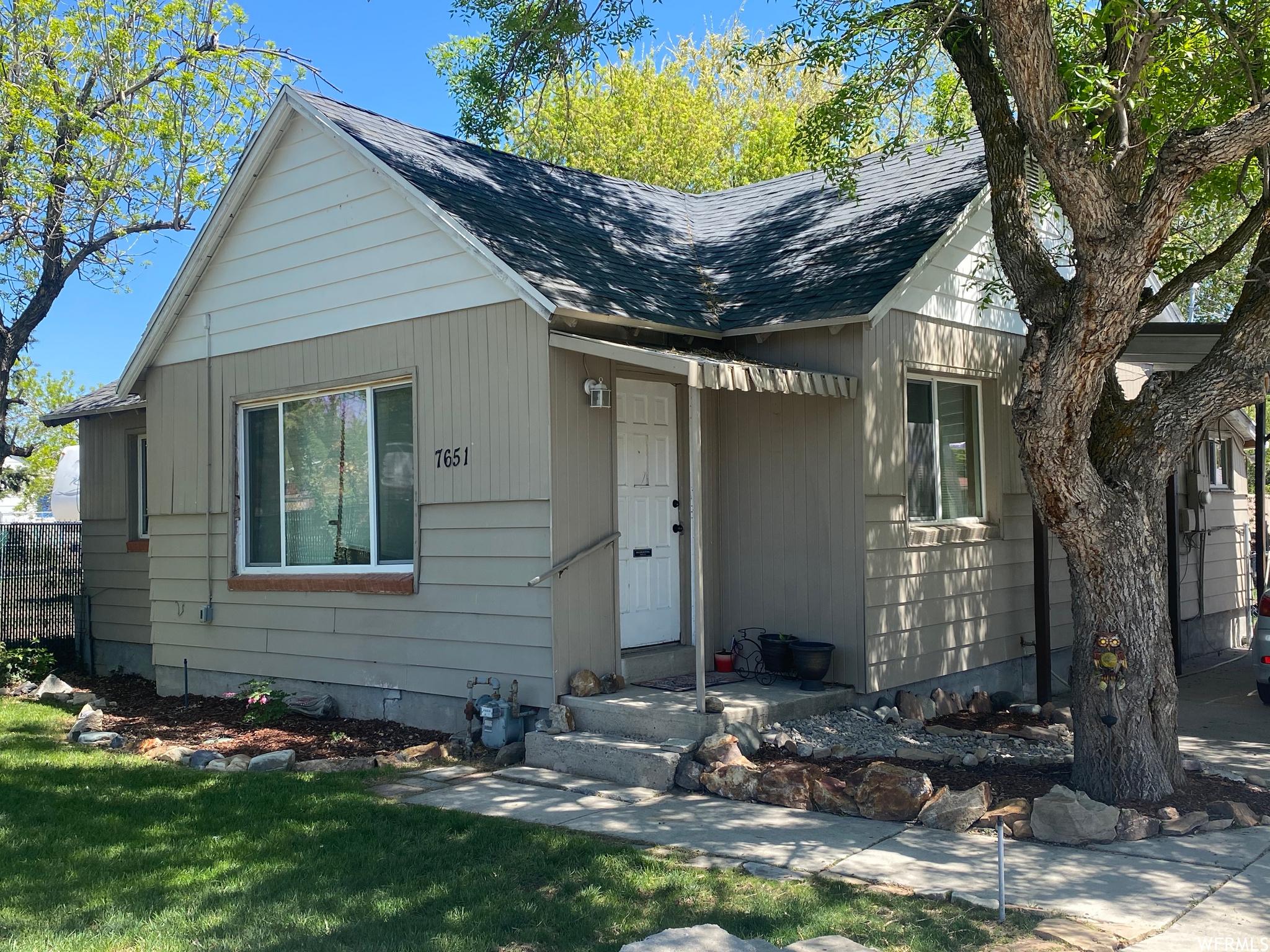 7651 S 2200, West Jordan, Utah 84084, 3 Bedrooms Bedrooms, ,1 BathroomBathrooms,Single Family,For Sale,7651 S 2200,1740430