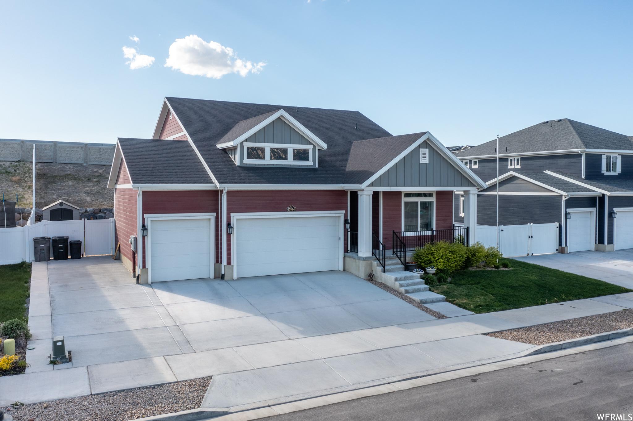 10944 S RAPHI PL, South Jordan, Utah 84095, 4 Bedrooms Bedrooms, ,4 BathroomsBathrooms,Single Family,For Sale,10944 S RAPHI PL,1740470