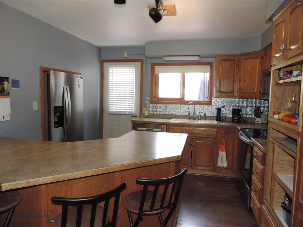 401 E 3rd, Big Timber, Montana 59011, 4 Bedrooms Bedrooms, ,2 BathroomsBathrooms,Single Family,For Sale,401 E 3rd,2,361184