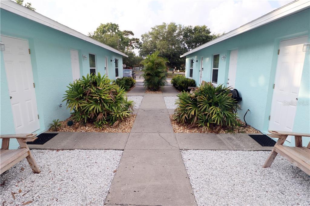 TARPON SPRINGS, Florida 34689, 2 Bedrooms Bedrooms, ,1 BathroomBathrooms,Rental,For Rent,1,U8054279