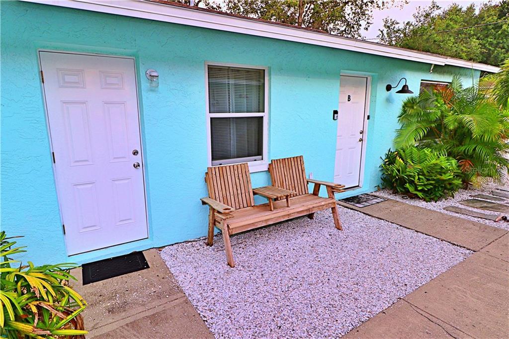 TARPON SPRINGS, Florida 34689, 2 Bedrooms Bedrooms, ,1 BathroomBathrooms,Rental,For Rent,1,U8054405