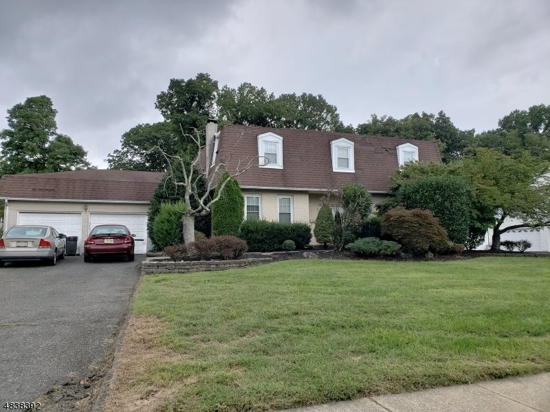31 PORTAGE DR, FREEHOLD TOWNSHIP, New Jersey 07728, 4 Bedrooms Bedrooms, ,3 BathroomsBathrooms,Residential,For Sale,31 PORTAGE DR,190017676