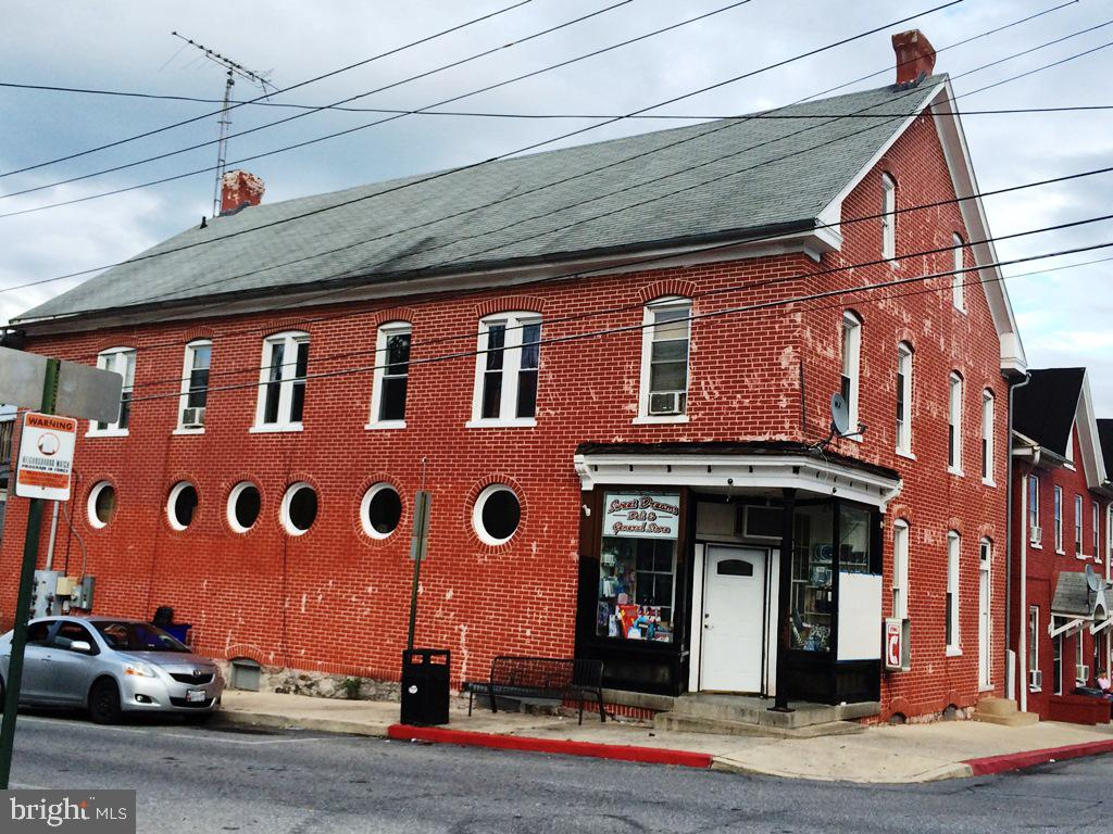 638 GEORGE STREET, HAGERSTOWN, Maryland 21740, ,Commercial,For Sale,638 GEORGE STREET,MDWA168612