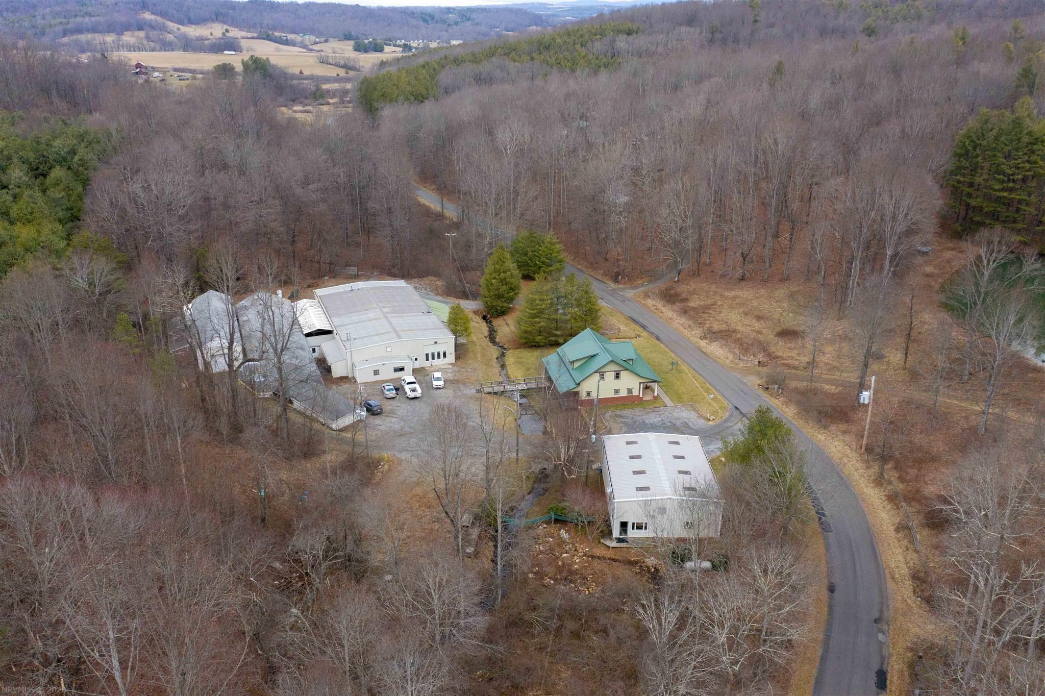 592 Paradise Lane SE- Floyd- Virginia 24091, ,Commercial,For Sale,592 Paradise Lane SE,407917